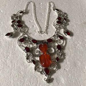 Praying lady & garnet 925 necklace